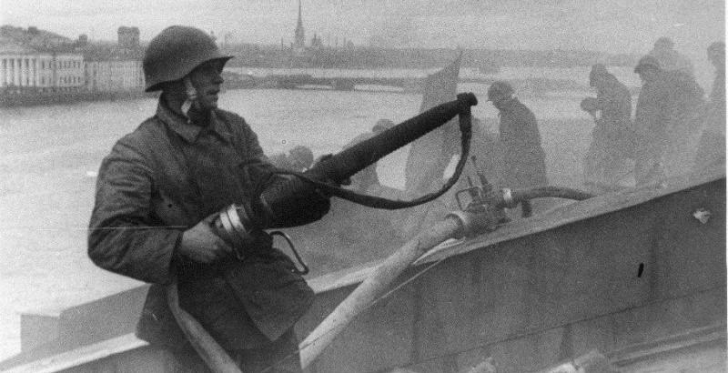 Подвиг пожарных Ленинграда приблизил День прорыва блокады